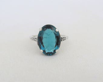 Vintage Sterling Silver Oval cut London Blue Topaz Ring Size 6.75