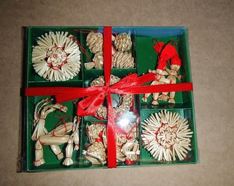 Scandinavian Straw Ornaments - Box of 29 pieces - #H1-565