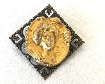 SALE Art nouveau brooch