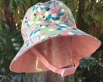 Reversible Childs Bucket Hat, Green & Pink Leaves