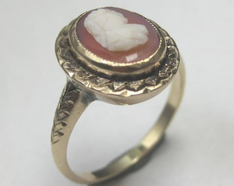 Vintage 10kt Yellow Gold Cameo Ring - Beautiful Estate Piece