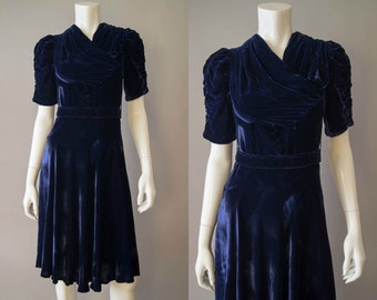 vintage 1940s dress / 40s blue velvet dress / xs / Night Sky Dress