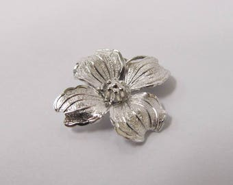 Vintage Sterling Silver Flower Charm W #631