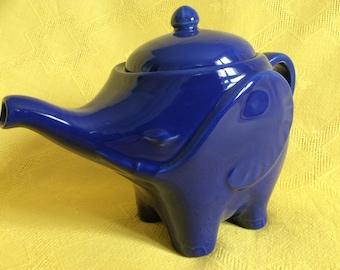 ceramic teapot , Éléphant pattem / Made in France