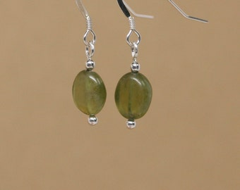 Green Glass Bead on sterling silver wire #1086