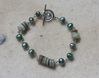Teal Pearl and Shell Bracelet