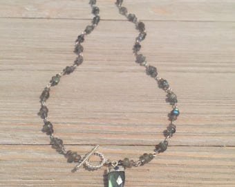"Labradorite beaded necklace~labradorite faceted tooth charm~S925 toggle clasp and beading word~14.5""=15""~"