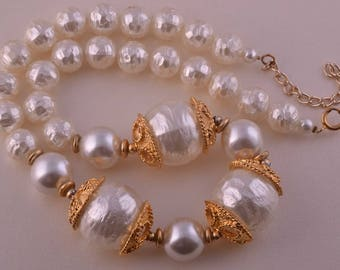 Gilt Necklace With Faux Pearls (951g18)
