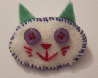 Jared the cat brooch