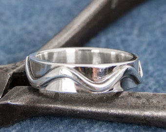 sterling silver mens ring with wave design