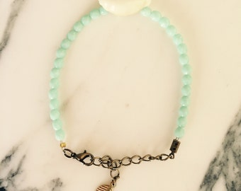 Bracelet beads and shell: Mint