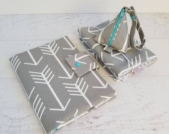 Arrow Diaper Bag Set | Diaper Clutch with Changing Pad | Pacifier Bag | Pacifier Pod | Changing Mat | Neutral Baby Gift | Small Diaper Bag