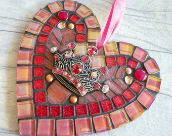 Crown mosaic heart, salmon pink crown, sparkly crown heart, crown heart gift, sparkly heart gift, special lady heart, crown gift for girls