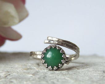 Green Chrysoprase Ring, Raw Silver Stacking Ring, Sterling Silver Ring, Gemstone Ring, Green Stone, Adjustable Ring