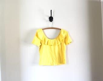 vtg off the shoulder ruffle top // yellow scoop neck ruffle top // 80s summer shirt