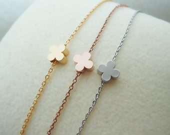 498.Cute Tiny Clover Bead Bracelet, gift for her, gift for friends, Quatrefoil Clover Jewelry - Choose your length and color