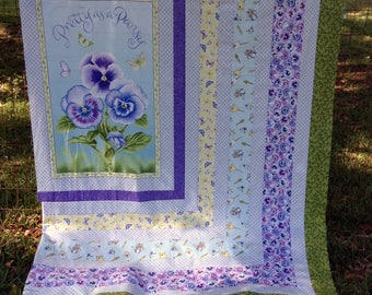 """Kit """"Pretty as a Pansy"""" Panel Throw, Quilt (54""""x65"""") Top & Binding Kit"""