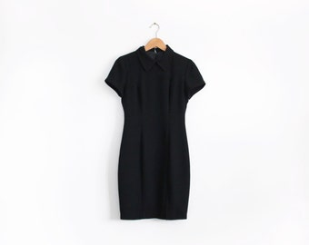 Minimal 90s black short sleeve dress with collar