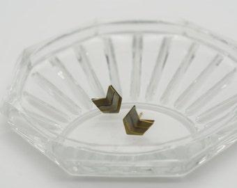 Chevron wing II brass stud earrings, Antique Gold Geometric earrings, Antique gold earrings, Art Deco antique brass earrings
