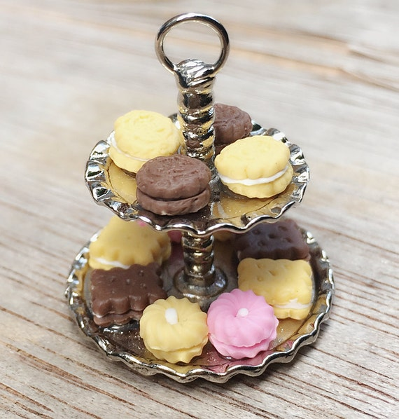 Miniature 2Tiers Tray with cookies,Miniatur Sweet,Miniature Tray,Dollhouse tray,Miniatrue Dessert Tray,Dollhouse Bakery,Miniature Bakery