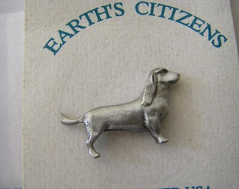 BASSET lapel pin  USA PEWTER