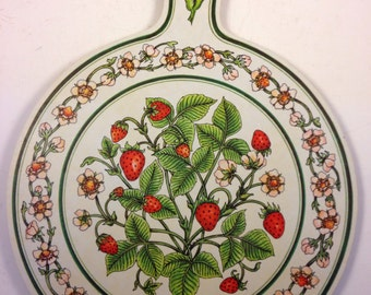 Vintage Strawberry Plants Decorative Chopping Cutting Bread Board Wall Hanging