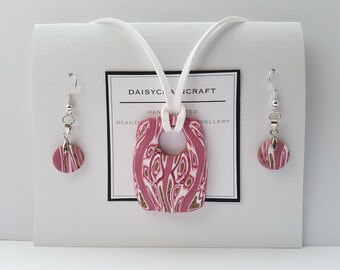 Abstract Dusky Pink Pendant Necklace and Earring set by daisychaincraft