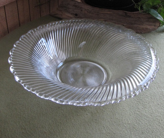 Vintage Swirl Coffee Table Bowl Diana Pattern Federal Glass