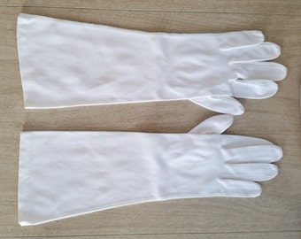 Vintage Joseph Horne Co. Made in France White Cotton Ladies Gloves