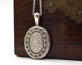 Sterling Silver Victorian Locket Necklace | Antique Oval Engraved Photo Locket On A Belcher Chain