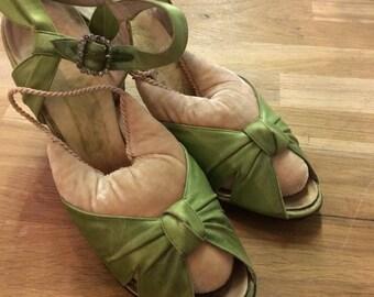 Vintage  Satin open toe shoes!!