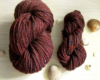Bulky wool handspun yarn Bordeaux tweed 9 1/2oz 195 yards 23 mc / 270g 175m melange tweed yarn scarf snood yarn