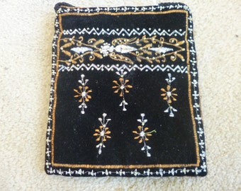 Evening purse with shoulder strap hand made in India.