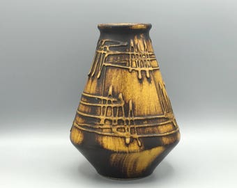 "Ilkra Edelkeramik  1031 / 20 ,,Heartbeat"" ochre / black stylish  Vintage     Vase   West Germany."