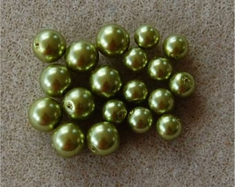 PEARL Beads, Mix of 2 sizes, Olivine, 50 @ 8mm and 75 @ 6mm, sold in units of 125 beads in total.