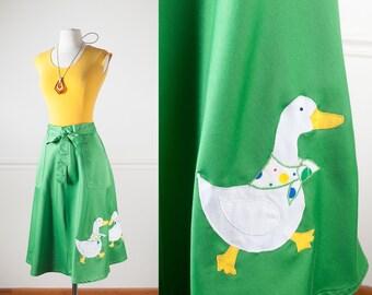 Duck Print Skirt, Wrap Skirt, 70s Skirt, Green Skirt, Bird Print Skirt, High Waist Skirt, MIDI Skirt, Novelty Skirt, Knee Length 80s Skirt