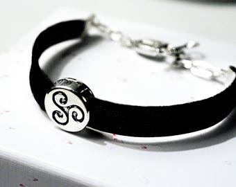 BDSM symbol triskele bracelet cuff submissive dominant fetish anniversary birthday gift triskelion slave vegan leather