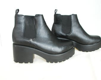 Size 7, Black Platform Ankle Boots | grunge aesthetic boots