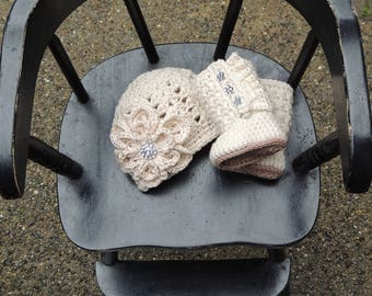 Crochet Baby Booties, Beanie Set, Luv Beanies, Lace Booties, Girl Baby Booties, Antique Booties, Booties for babies, Baby hats