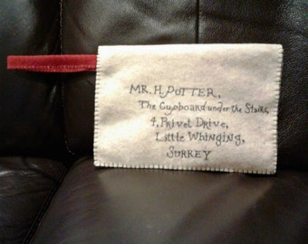 9×6 Hogwarts letter clutch purse with wristlet and velcro/zipper closure