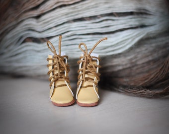 Blythe yellow  shoes - blythe doll lace up boots by BlablaBlythe