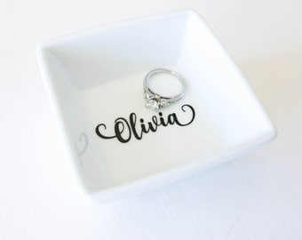 Personalized Ring Dish | Gift for her | Bridal party gift | Ring holder | Trinket Dish | Personalized gift | Jewelry dish | Bridesmaid gift