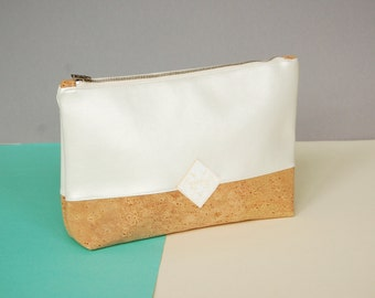 cosmetic bag, culture bag, minimalistic, pearl, vegan, cork, cork leather, handmade
