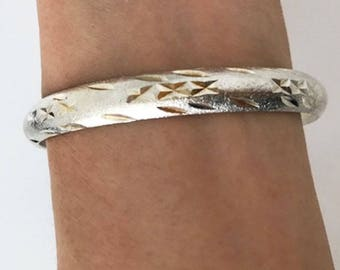 Silver 925 carved bangle, edged bangle, angle bangle, silver bangle, embroidered bangle, silver bracelet, bracelet gift, gift for her