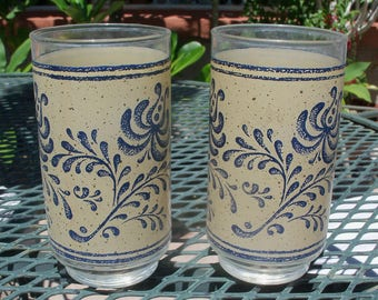 Drinking glasses with Pyrex Homestead Pattern