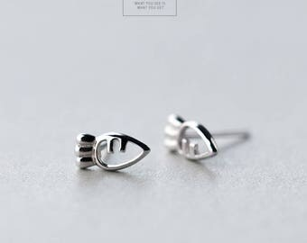 Free shipping: sterling silver cute carrot earrings