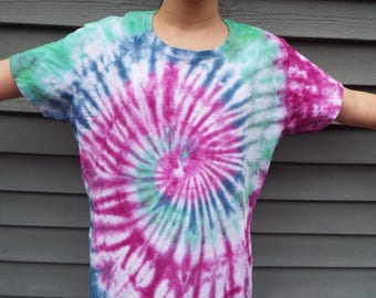 Ladies XL Tie Dye Shirt, XL Tiedye Shirt, Ladies Cut Tshirt, Womens Tie Dye, Hippie Tie Dye, Womens Boho Tee, Extra Large Tshirt, Xlarge Tee
