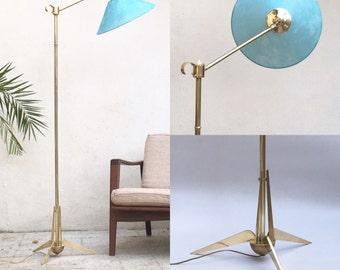 Tripod floor lamp in brass 50s - House Lunel