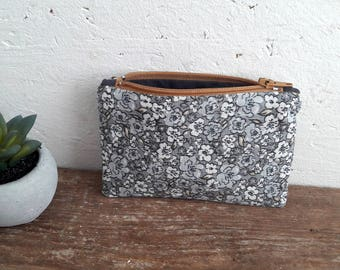 Wallet - daughter - gray fabric flowers - flower of wool