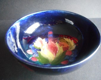 "Moorcroft Pottery Bowl ""Leaf And Berry"" Pattern, British,"